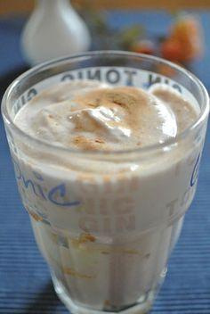 Grundrezept für schnelle Quarkspeisen für jeden Tag Thermomix Desserts, Glass Of Milk, Clean Eating, Deserts, Food And Drink, Pudding, Sweets, Tableware, Easy