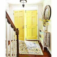 Benjamin Moore Yellow Highlighter Painted Interior Doors will Brighten your mood Interior Door Colors, Painted Interior Doors, Yellow Interior, Interior Paint, Interior Ideas, Interior Design, Yellow Front Doors, Front Door Paint Colors, Painted Front Doors