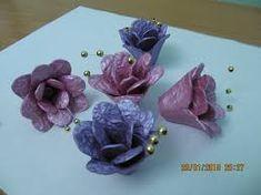 Resultado de imagem para flores fitas com caixa de ovos