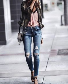 I know it's summer but that doesn't mean you need to put your jeans up! #mystyle #fashiontips
