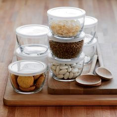 Staple ingredients of a well-stocked kitchen. Stackable and perfectly portable, these pint-sized, clear glass bowls are ideal for storing and transporting leftovers.