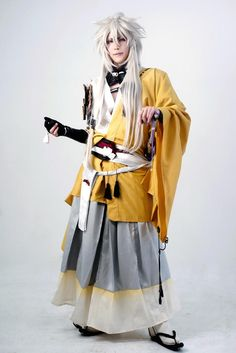 Kogitsunemaru | Amazing Touken Ranbu cosplay! 埋め込み画像への固定リンク<<<Don't even know what that is but this cosplay looks awesome.