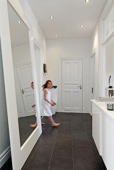 modern white interior expensivelife™