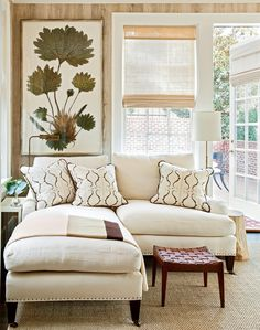 For his own Birmingham home, SL former Editor-in-Chief Lindsay Bierman called on decorator Phoebe Howard to help define his signature Southern style. Living Room Photos, Bedroom Photos, Living Spaces, Southern Homes, Southern Living, Southern Style, Country Homes, Southern Charm, Deep Sectional