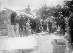 15 June 6 inch field gun (Mark VII) of the Siege Battery, Royal Garrison Artillery in action at Reninghelst. Shells displayed are (left to right) - shrapnel, high explosives and common pointed Commonwealth, Ww1 History, 15 June, Big Guns, Indian Army, World War One, Historical Pictures, War Machine, Wwi