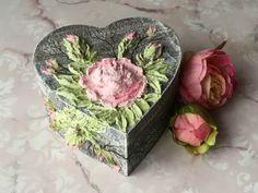 #diy #box #heart #rose #fiberpaste #pentart