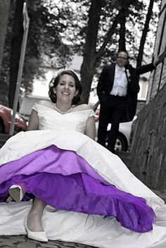Wear a selfmade colored crinoline skirt under your Wedding dress! Be unique and colorful!