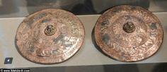 Charles Martel (714 à 741) Harnais de chevaux de l'époque carolingienne, VII°-VIII°s, Neues museum, Berlin.- CHARLES MARTEL- 2) PACIFICATION DU ROYAUME FRANC, 2: Il réussit à vaincre RAINFROI qui s'était pourtant allié avec le duc EUDES D'AQUITAINE et de VASCOVIE. Le 14 octobre 719, il remporta sur eux une 1° victoire à NERY, entre Senlis et Soissons, puis à Orléans.