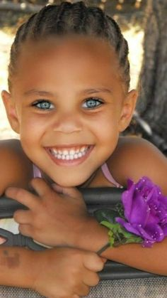 Such A Beauty With Beautiful Eyes And A Beautiful Smile 💖 Precious Children, Beautiful Children, Beautiful Babies, Pretty Eyes, Cool Eyes, Smile Face, Make You Smile, Beautiful Smile, Beautiful People
