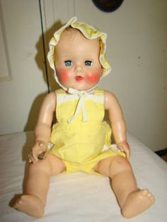 GORGEOUS 17 INCH VTG SUN RUBBER BABY DOLL W 2 OUTFITS (11/18/2010)