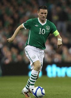 Robbie Keane, Rep of Ireland Football Stickers, Football Cards, Football Soccer, Jack Charlton, Fifa, Sports Trophies, Different Sports, Republic Of Ireland, Best Player