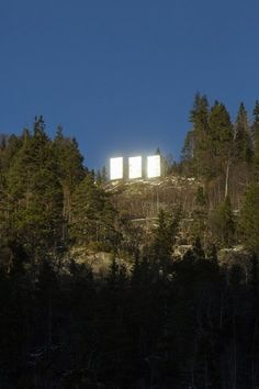 Sunlight reflects off the three giant mirrors. Photograph: David Levene for the Guardian - Giant solar mirrors in Rjukan, Norway Giant Mirror, Installation Architecture, Chasing The Sun, Norway Travel, Winter Sun, Mirror With Lights, Summer Nights, The Guardian, Seattle Skyline