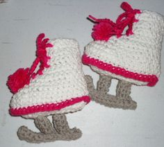 Little Ladys Hot Pink And White Ice Skates by fivelittlepiggys.etsy.com
