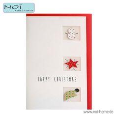 Raffinierte #Weihnachtskarte, handgemacht. Drei kleine Fensterchen mit niedlichen Aplikationen: #Schneemann, #Stern und #wichtelmütze. Ein roter #Umschlag ist inclusive. So schickt man liebevolle Grüße.... #NOI home & fashion #NOIhamburg #papeterie #Weihnachtskarte #Weihnachten