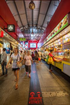 Bugis Street, a lot to do, see, eat, and of course shop!