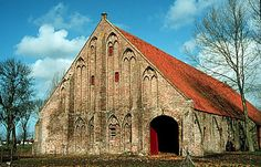 Architecture in Belgium: Gothic Barn Farm Barn, Old Farm, Interesting Buildings, Beautiful Buildings, Old Buildings, Abandoned Buildings, Art Nouveau, Gothic, Country Barns