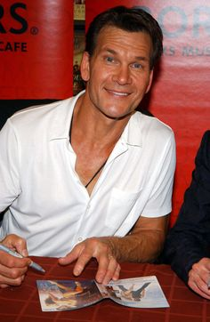 "Patrick Swayze Photos Photos - Actor Patrick Swayze appears at Borders Bookstore to sign copies of his new movie ""One Last Dance"" August 24, 2005 in New York City. - Patrick Swayze dies at 57"