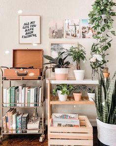 Cute Room Ideas, Cute Room Decor, Brown Room Decor, Cool Home Decor, Orange Room Decor, Study Room Decor, Room Ideas Bedroom, Diy Bedroom Decor, Bedroom Inspo