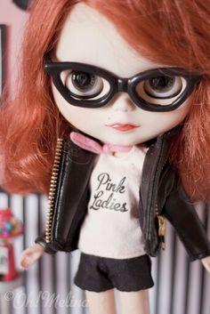 #PinkLadies #PinUp #Blythe #glasses #lentes #Doll #Redhair #muñeca