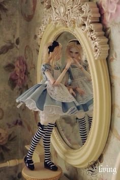 Alice In Wonderland Ball Jointed doll :BJD Pretty Dolls, Cute Dolls, Beautiful Dolls, Ball Jointed Dolls, Chesire Cat, Alice Madness, Adventures In Wonderland, Doll Repaint, Through The Looking Glass