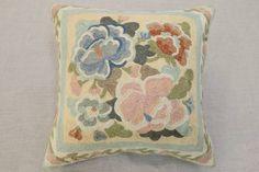 新品即決/Ari Work/手刺繍/クッション/国産中綿付/40x40cm/GH297 - ヤフオク! Auction, Throw Pillows, Cushions, Decorative Pillows, Decor Pillows