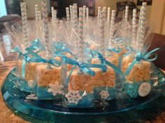 Made these for my little girls party! Rice Krispie treats with snow flakes Made these for my little girls party! Rice Krispie treats with snow flakes Winter Birthday Parties, Frozen Themed Birthday Party, Disney Frozen Birthday, Birthday Party Themes, Frozen Party Food, 3rd Birthday, Frozen Birthday Favors, Frozen Birthday Decorations, Frozen Party Favors