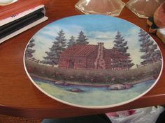 Collectible plate 8 inches around no chips/cracks