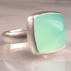 Sea Green Chalcedony Sugarloaf Cocktail Ring
