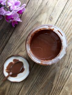 Raw cacao coconut butter - a sugar-free and dairy-free chocolate spread