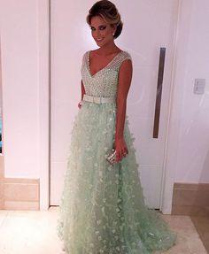 #vestidomadrinha #vestidoformatura #vestidodecasamento #vestidodegala #vestidodefesta #totalmentedemais #vestidoformanda #casamentodia #vestidolindo