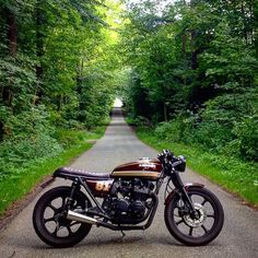 "Cafe Racers of Instagram en Instagram: ""The perfect work break option. A Kawasaki KZ650 by @stougaard #croig #caferacersofinstagram"""