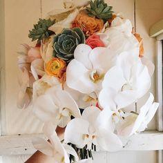 Floral Art ♥︎ by www.blissinbloom.com --- #Bouquet #Wedding #Hawaii #Bride #Florals #HawaiiWedding #BlissInBloom