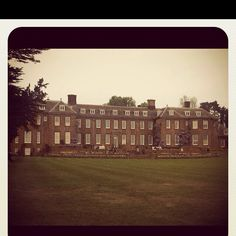 Upton house. 1930's art deco. I fell in love with it when visiting last summer. The most perfect day. Picnic by the Ha Ha, where else would you have one x