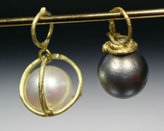 Sam Shaw Jewelry Twig pearl pendants