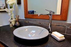 Formschön und exklusiv geben Granit Waschtische Ihrem Badezimmer einen Hauch von Luxus.     http://www.granit-deutschland.net/granit-waschtisch
