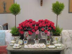 Arreglo de flores con porcelana de Herend