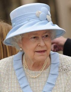 The Queen's Many Hats and the Jardine Star diamond brooch.......another favourite.