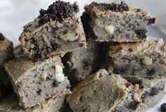 Healthy Oreo Style Blondies | Natural Born Feeder