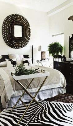 Bedroom Design, Pictures, Remodel, Decor and Ideas I love the mirror Bedroom Designed by Vered Shalev bedroom black + white bedroom Black White Bedrooms, Black And White Interior, White Rooms, White Walls, Blue Walls, Home Bedroom, Bedroom Decor, Modern Bedroom, Bedroom Ideas
