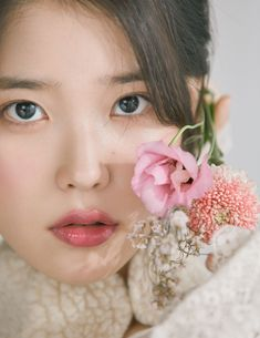 Similar to the previously mentioned Korean skin care trends, cloudless skin involves harnessing our pore-refining and brightening products to achieve skin as luminous and even as, well, a cloudless day. Korean Beauty, Asian Beauty, Asian Girl, Korean Girl, Korean Idols, Korean Drama, Elle Magazine, Cosmopolitan Magazine, Instyle Magazine