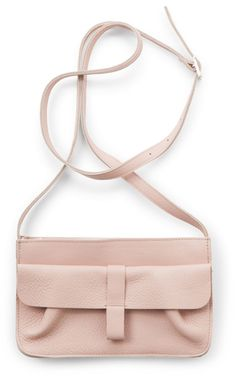 Webshop - Keecie Goose Bumps Stylish and comfortable shoulderbag for every day. We designed it with you in mind. Think of many handy pockets and sections to enjoy daily:...