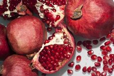 Pomegranate Seed Oil: Rich in a rare form of Omega 5 and the only organic source of the most powerful known antioxidant, Punicic Acid, Pomegranate is the ultimate skin cell protector.
