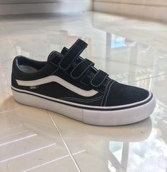 vans old skool v pro black / white  size 7.5 - 11.5  hkd 690 #8five2shop #vans #vanshkg @8five2shop @vans