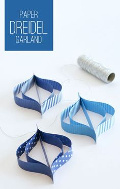 Have seen something  similar  for Christmas  deco DIY Paper Dreidel Garland for Hanukkah.