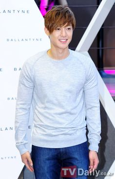 Kim Hyun Joong -- mmmmmmmmmmmmmmmmmmmmmmmmmmm. <3