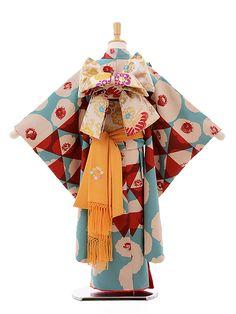 Traditional Japanese Kimono, Traditional Fashion, Traditional Outfits, Yukata Kimono, Kimono Dress, Kimono Fashion, Fashion Outfits, Cute Kimonos, Modern Kimono
