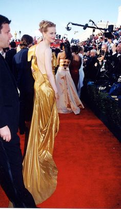 62b2566d63 25 Stunning Oscar Dresses You Totally Forgot About