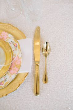 Pink and gold bridesmaids luncheon: http://www.stylemepretty.com/2014/08/01/pink-and-gold-bridesmaids-luncheon/ | Photography: http://emilymarchphotography.com/