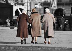 Gallery For > 3 Girls Walking
