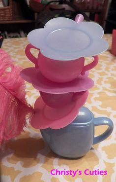 Christy's Cuties: Topsy Turvy Centerpieces {Alice in Wonderland}